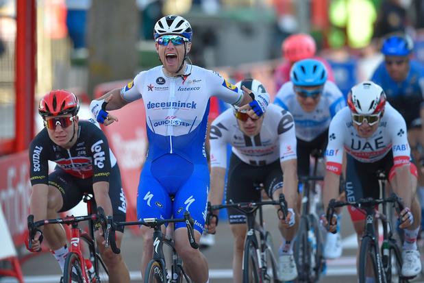 Vuelta: Pascal Ackermann wint negende etappe na bestraffing Sam Bennett