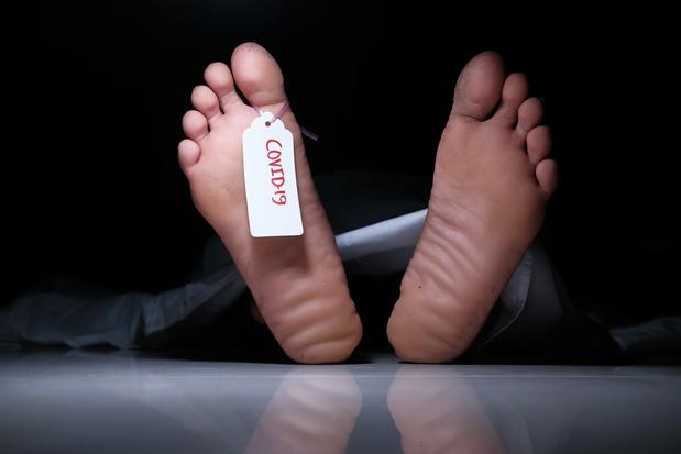 De sterfte bij patiënten die in het ziekenhuis worden opgenomen wegens Covid-19, is bijna driemaal hoger dan de sterfte bij patiënten die in het ziekenhuis worden opgenomen wegens griep.