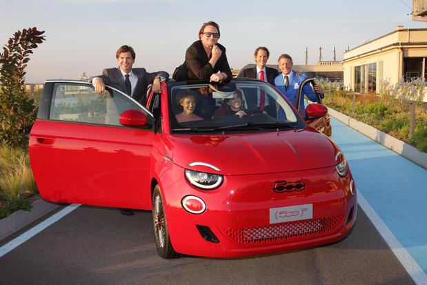 Fiat voit la vie en rouge et green