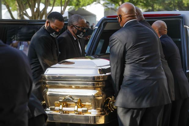 Duizenden mensen nemen in Houston afscheid van George Floyd