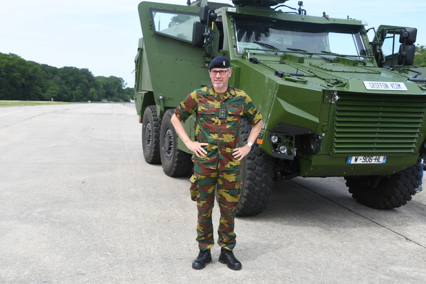 Baas landmacht luidt de noodklok: 'Uitbetaling van lonen militairen komt in gevaar'