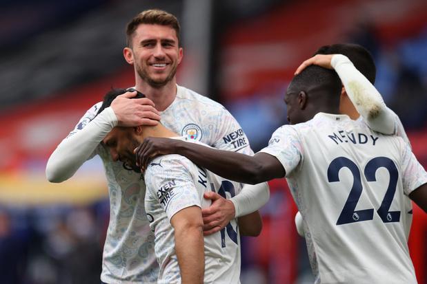 Manchester City, sans De Bruyne, gagne à Crystal Palace et peut être sacré dimanche
