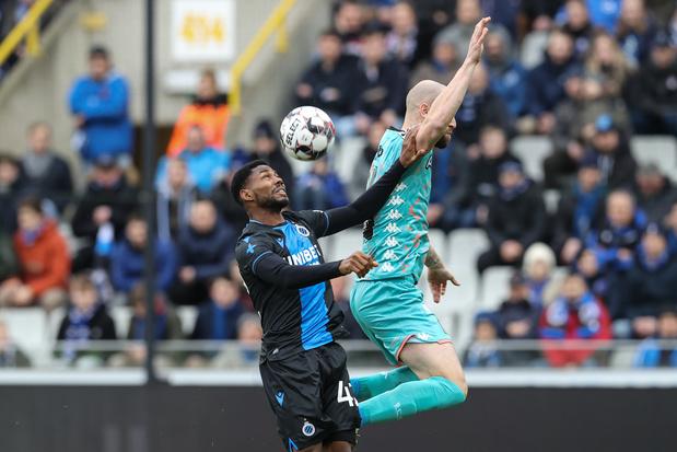 """Bruges-Charleroi: """"il y avait une faute de Dennis mais le VAR ne pouvait plus intervenir"""""""