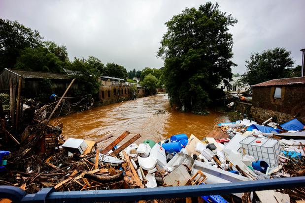 Inondations: le bilan officiel passe à 37 morts et 6 disparus