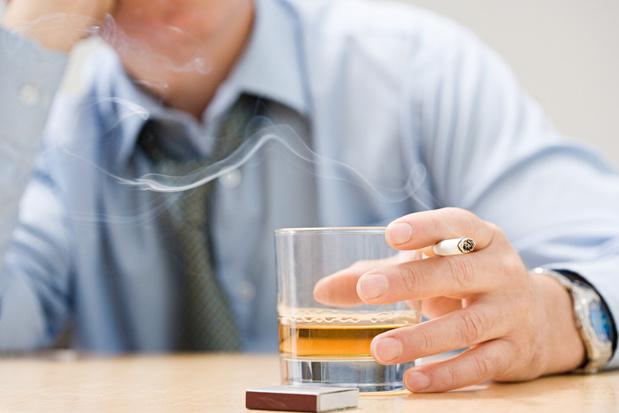 Alcool, tabac, drogue... Tous addicts après le confinement?