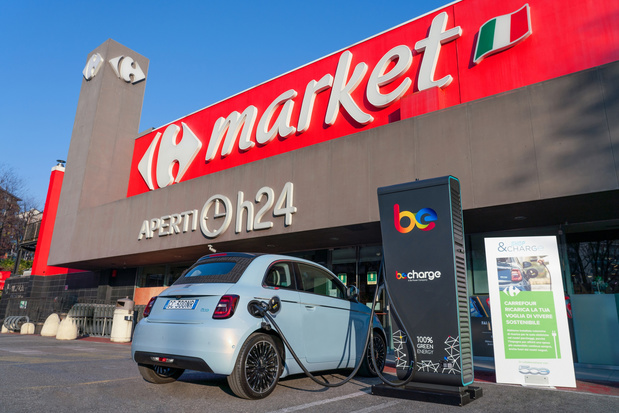 "Fiat en Carrefour lanceren ""Stop & Charge"" in Italië"