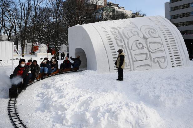 À Sapporo, le festival de la neige marqué par un hiver trop clément