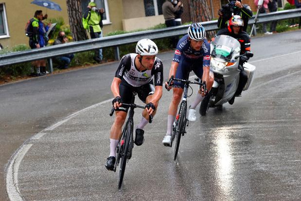 Victor Campenaerts stapt met beenblessure uit Giro
