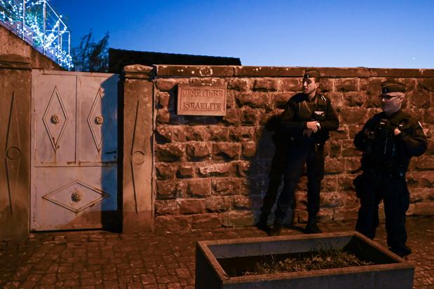 """La """"consternation"""" en France après une nouvelle profanation dans un cimetière juif"""