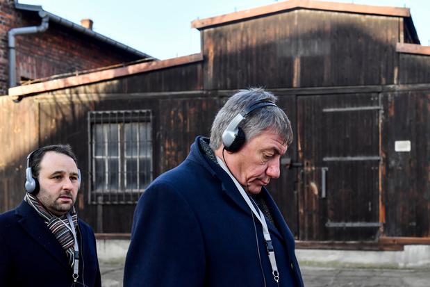 """Jambon à Auschwitz : """"Comment est-il possible que des gens soient prêts à faire cela?"""""""
