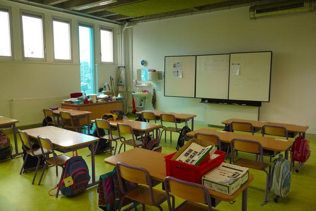 """Pour Caroline Désir, il n'est """"pas question de fermer les écoles à ce stade"""""""