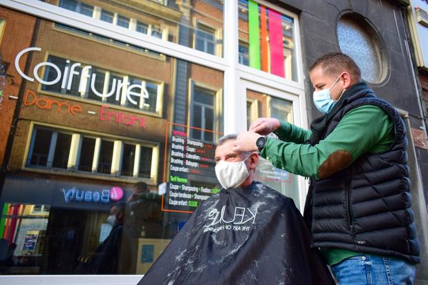 Les coiffeurs pourraient rouvrir avant les fêtes. Si...