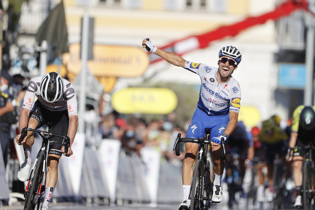 Julian Alaphilippe remporte la 2e étape et endosse le maillot jaune