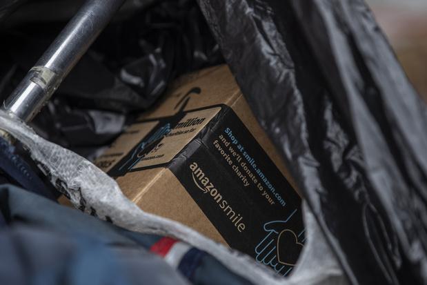 Werkdruk Amazon dwingt chauffeurs tot plassen en ontlasten in flessen en postzakken