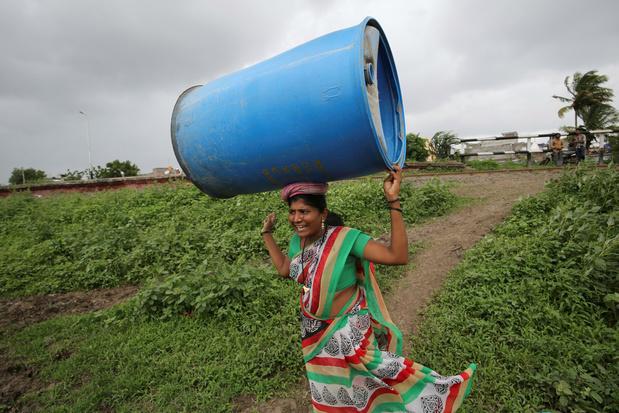 Oxfam klaagt onzichtbaar zorgwerk door vrouwen aan