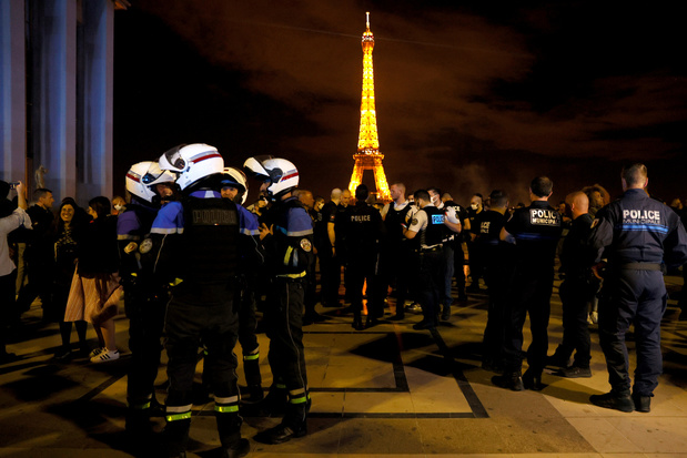Nouvelle manifestation nocturne de policiers à Paris