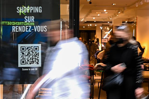 """Shopping sur rendez-vous: des rues très calmes, """"les clients ne s'y retrouvent plus"""""""