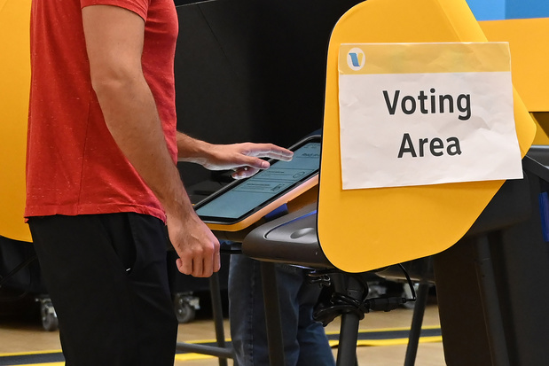 Super Tuesday: eerste stembureaus open