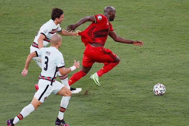 'Als je niet de intentie hebt om de bal te spelen, moet je altijd rood krijgen'