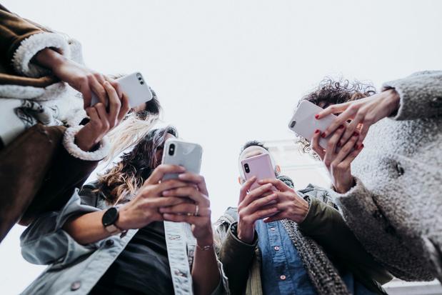 Te veel op sociale netwerken zitten zou schadelijk zijn voor de geestelijke gezondheid van jongeren