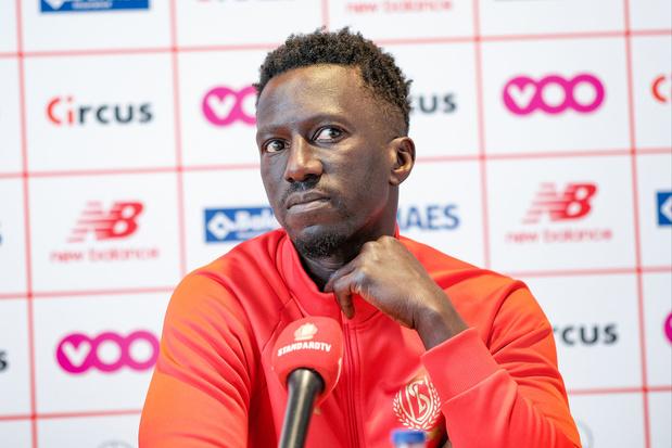 Geen paniekvoetbal bij Standard: ook volgend seizoen is Mbaye Leye T1