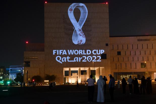 'Als de voetbalwereld nog een beetje zelfrespect heeft overgehouden, moet het WK weg uit Qatar'
