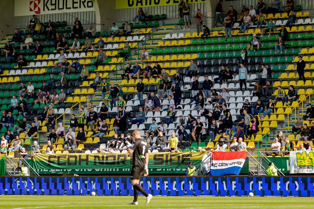 Nederlandse regering laat proef met 1500 supporters in voetbalstadions toe