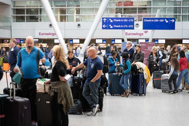 """Grève """"massive"""" de Lufthansa en Allemagne, des centaines de vols annulés"""