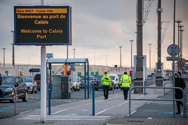 Reprise en douceur du trafic transmanche à Calais