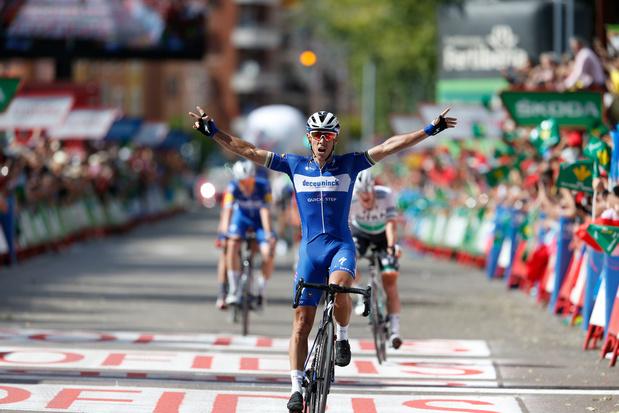 """Philippe Gilbert remporte la 17e étape de la Vuelta: """"une étape historique, je n'ai jamais vu ça"""""""