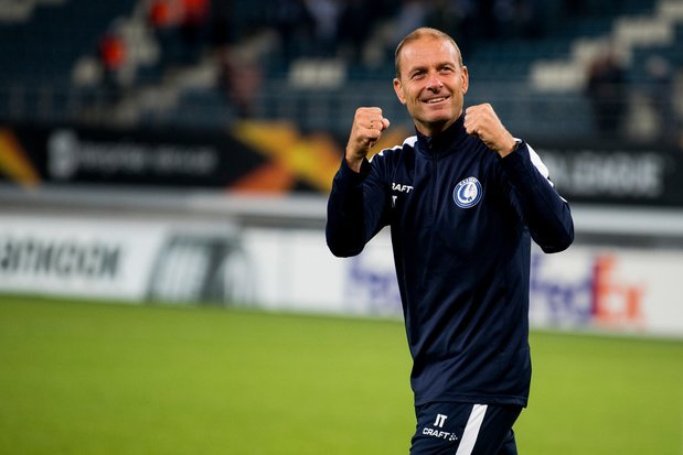 Le coach de la Gantoise a perdu en espérance de vie pendant le match contre Saint-Etienne