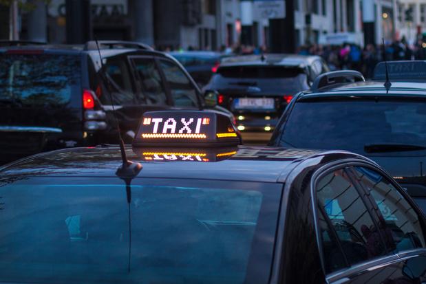 Les entreprises de taxis préparent des actions contre le fédéral et les Régions