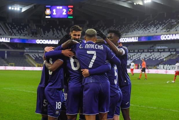Anderlecht s'impose contre Zulte Waregem et rejoint Ostende à la 4e place