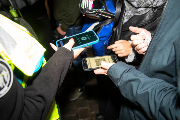 Bruxelles: dix questions sur le Covid Safe Ticket