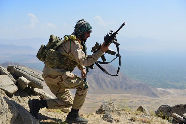 """Les talibans disent contrôler tout l'Afghanistan, Massoud appelle à un """"soulèvement national"""""""