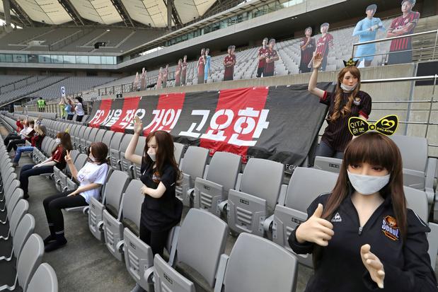 Le FC Séoul s'excuse d'avoir placé des poupées sexuelles en tribunes