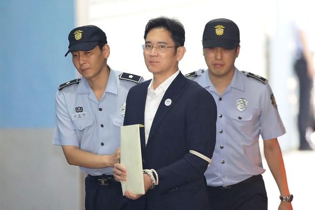 Corruption en Corée du Sud: 2,5 ans de prison pour l'héritier de Samsung