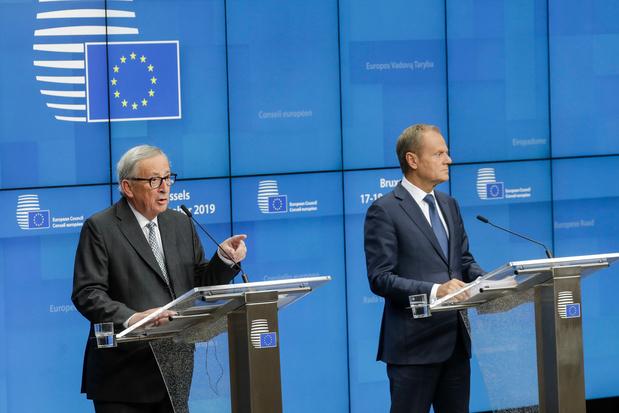 Juncker et Tusk félicitent Sophie Wilmès sur fond d'inquiétude pour la stabilité de la Belgique