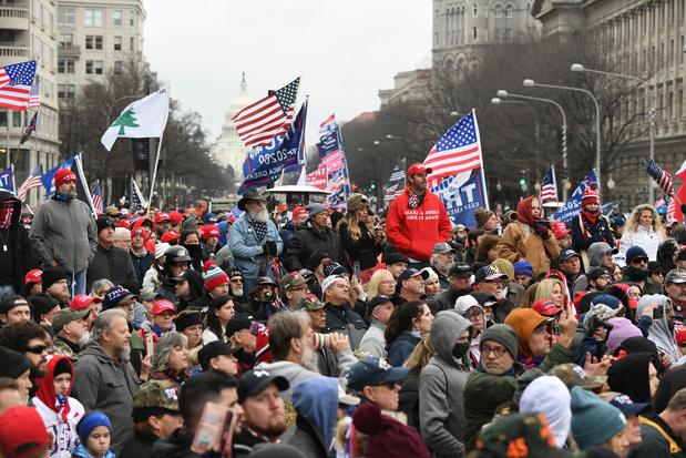Les partisans de Donald Trump affluent vers Washington à l'appel du chef