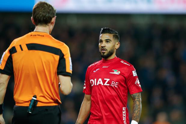 Vargas risque 3 journées de suspension après sa carte rouge