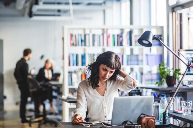 Les femmes du monde fournissent 12,5 milliards d'heures de travail non rémunéré par jour