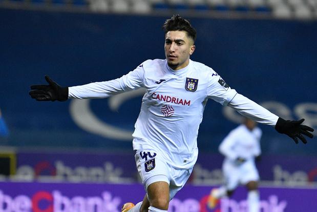 Hoe Anouar Ait El Hadj via FC Brussels en KAA Gent bij Anderlecht belandde