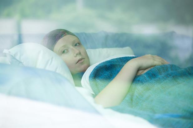 La Covid-19 est-elle vraiment plus dangereuse chez les cancéreux ?