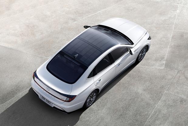 Hyundai Sonata hybrid rijdt (deels) op zonne-energie