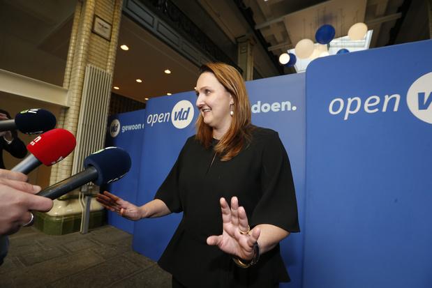 """Gwendolyn Rutten condamne les """"propos erronés qui font des dégâts"""" tenus par Jan Jambon"""