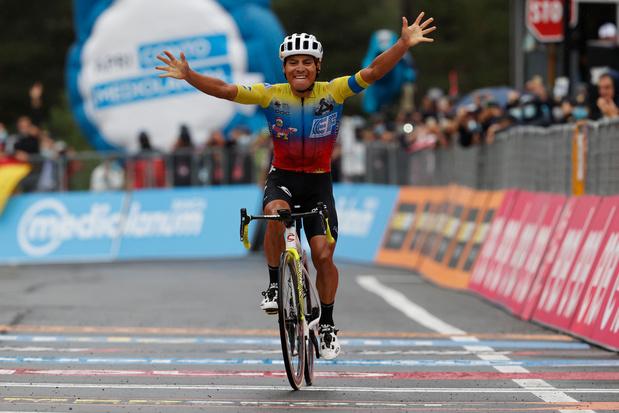 Ronde van Italië: Jonathan Caicedo wint slag om de Etna, Harm Vanhoucke knap derde