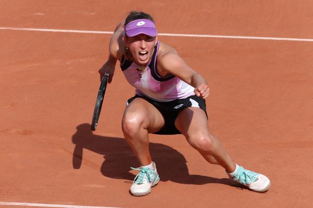 Roland-Garros: Elise Mertens se qualifie dans la douleur pour le troisième tour