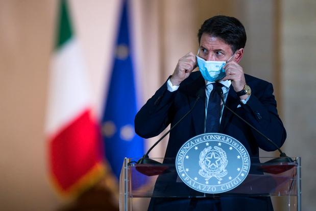 Covid: l'Italie renforce les restrictions après un nombre record de nouveaux cas