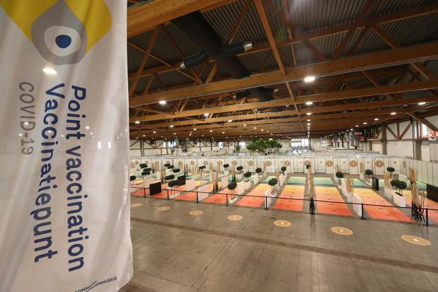 Le plus grand centre de vaccination de Belgique a ouvert ses portes au Heysel (en images)