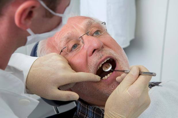 Seule une personne âgée sur 3 va chez le dentiste tous les 3 ans